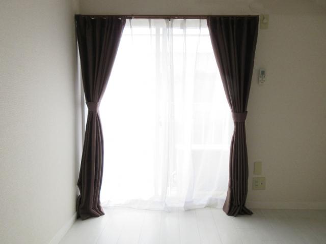 室内の暗幕カーテン